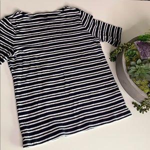 Uniqlo Stripped Navy & White stretch Short sleeve
